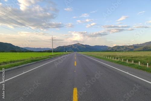 Canvastavla carretera, autopista, cielo, paisaje, asfaltar, viajando, campesina, naturaleza,