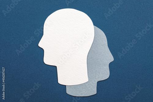 Photo Double head symbol - alter ego, analysis, unconscious, mental health idea