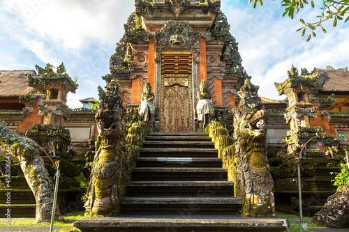 Fotografiet Saraswati temple in Ubud on Bali