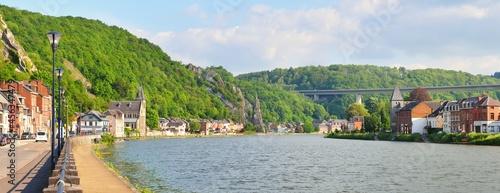Fotografiet Panoramic view from the embankment of Dinant, Belgium