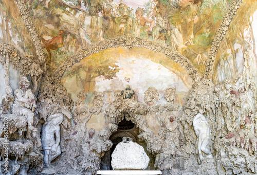 Fotografiet Sculptures in the Buontalenti Grotto in Boboli Gardens, built in the 16th centur