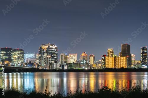 Leinwand Poster 淀川河川公園から見た大阪市の夜景