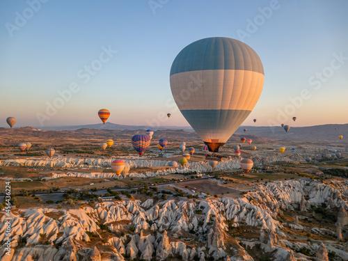 Fotografiet Morning hot air balloon flights. Turkey, Cappadocia. August 2021