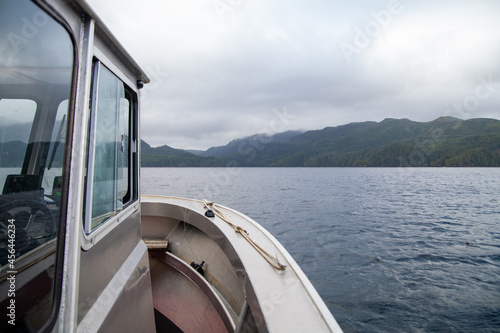 Tela Views of Quatsino Sound from a fishing charter boat leaving Winter Harbour, British-Columbia, on Vancouver Island