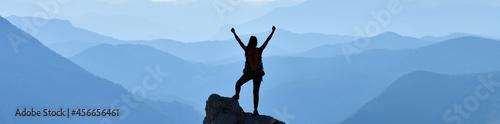 Valokuvatapetti The Key to Success is Confidence