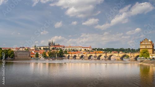 Fotografie, Obraz waterfront view across the river Vltava to Prague Castle and Charles Bridge, Pra