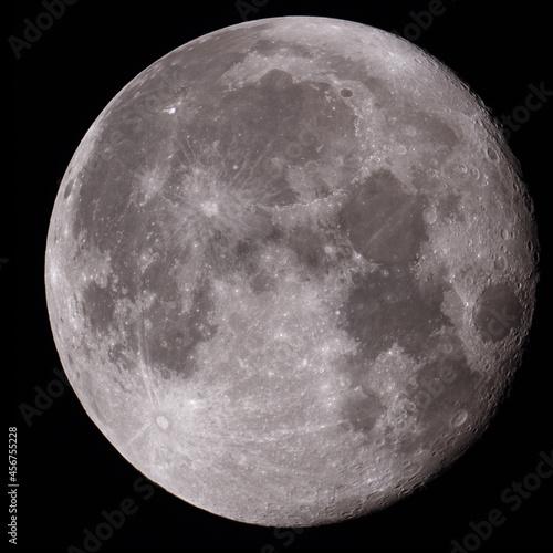 Tela Full moon high quality image