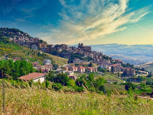 Fotografiet Hillside Town of Petralia Sottana