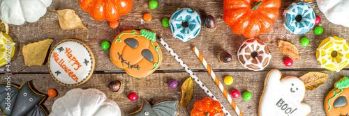 Fototapeta Halloween cookies, sweets and decor background