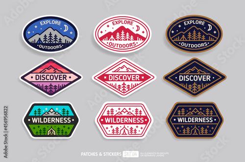 Discover Camp badge or patch icon Emblem design - vector illustration Fototapet