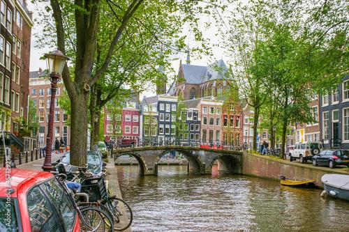Fototapeta Walking in old Amsterdam, the Netherlands