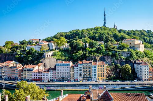 Fotografia Vue sur la colline Fourvière et la ville de Lyon