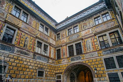 Fotografia チェスキークルムロフ城内の壁面のだまし絵