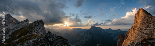 Fotografering sunset in the mountains panorama