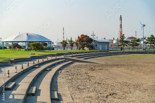 Tableau sur Toile 東扇島東公園の人口砂浜「かわさきの浜」の風景【神奈川県・川崎市・川崎区】
