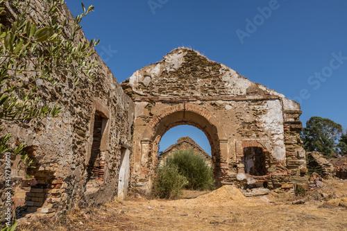 Fotografie, Obraz altes bergwerk ruinen industrie blauer himmel