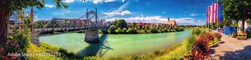 Fotografering Salzachbrücke zwischen Oberndorf und Laufen an der Grenze von Deutschland und Ös