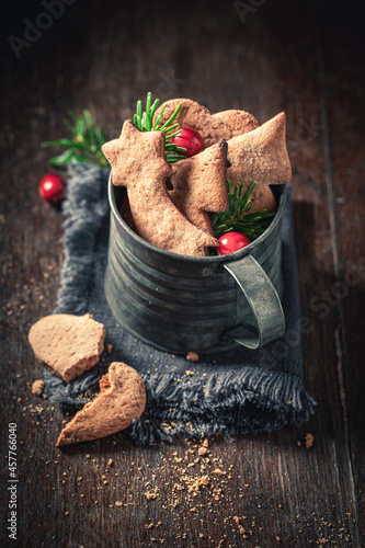 Fototapeta Tasty gingerbread cookies for Christmas with spicies