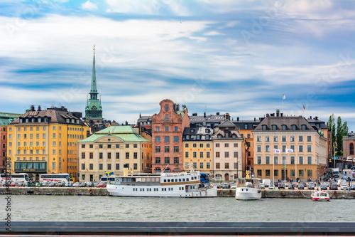 Fotografiet Skeppsbron embankment in Stockholm old town (Gamla Stan), Sweden