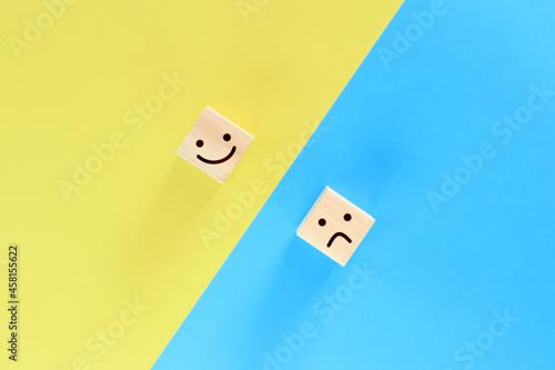 笑顔と怒り顔の積み木 1 Tapéta, Fotótapéta