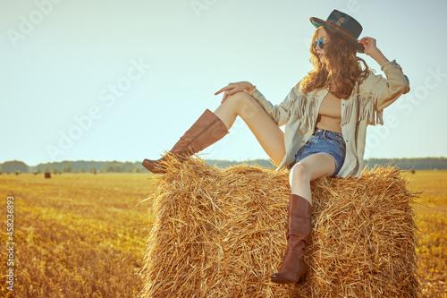 Obraz na plátně hippie girl on a haystack