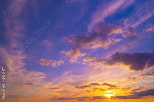 Sky with clouds at dusk or dawn Fototapet