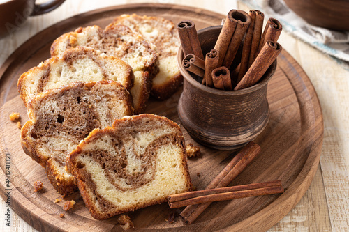 Canvas-taulu Sliced cinnamon swirl loaf cake