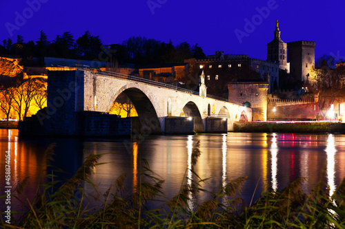 Pont Saint-Benezet and catholic Cathedral in Avignon in night lights, France Fototapet