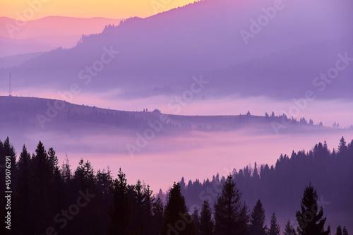 Fotografie, Obraz Beautiful autumn sunrise in the mountains