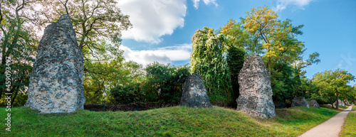 Foto Roman Stones ( Römersteine ) Mainz, District Bretzenheim, Zahlbachtal, Germany
