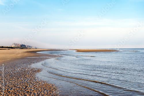 Carta da parati Low tide on the beach of Cabourg in Normandy coast