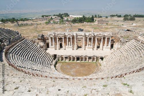 ancient amphitheater Fototapet
