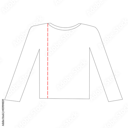 Fotografia 洗濯物の畳み方。長袖Tシャツの左に縦の折り目をつける