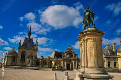 Canvas Print Chateau und Park von Chantilly im Val D'Oise in Frankreich