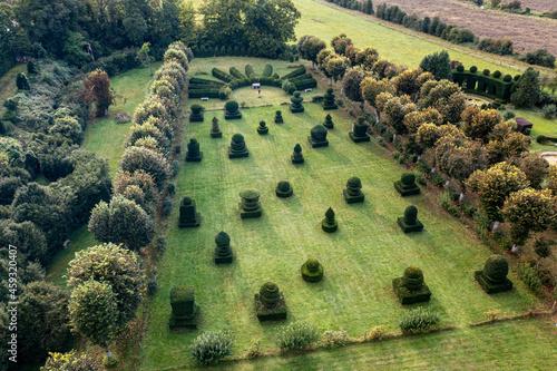 Photo Jardin de buis du château d'Ambleville (Val d'Oise)