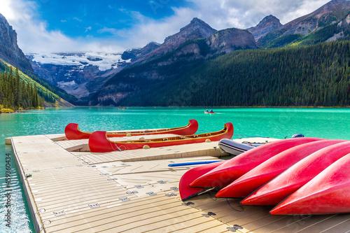 Fotografija Canoes on Lake Louise, Banff