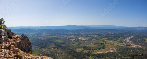 Slika na platnu Rural landscape view on the valley of Pic Saint-Loup mountain in Languedoc-Rouss