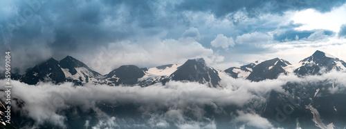Billede på lærred Wide Panorama of Grossglockner Peak in Austria Alps
