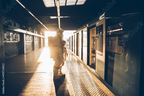 Photographie spaceman in a futuristic station