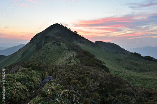 四国で最も美しい山「三嶺」の秋