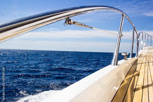 Photo Yacht on Sea