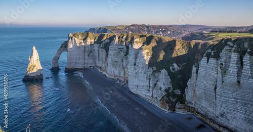 Canvastavla Vue des falaises d'étretat et de la mer en Normandie, France