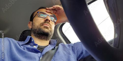 Cuadros en Lienzo Tassista in giro per la città - mal di testa