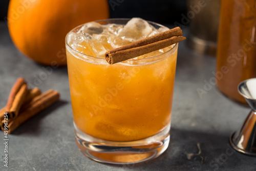 Fotografie, Obraz Boozy Refreshing Pumpkin Spice Bourbon Smash