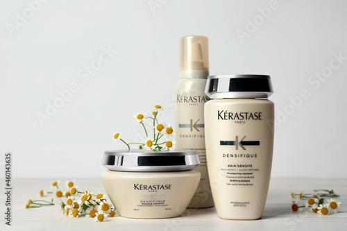 MYKOLAIV, UKRAINE - SEPTEMBER 07, 2021: Set of Kerastase hair care cosmetic prod Fotobehang