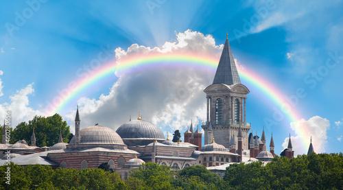 Billede på lærred Topkapi Palace with amazing rainbow - Istanbul Turkey
