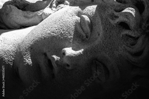 Fotografia Close up Olympic goddess of love, tenderness and beauty in antique mythology Aphrodite (Venus) Fragment of ancient statue