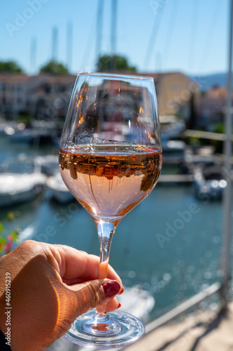 фотография Summer on French Riviera Cote d'Azur, drinking cold rose wine from Cotes de Prov
