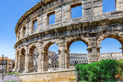 Ancient Roman amphitheater Arena in Pula, Croatia Fototapet