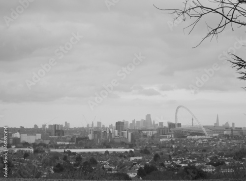 View of Central London and Wembley Stadium from Harrow on the Hill in black and фототапет